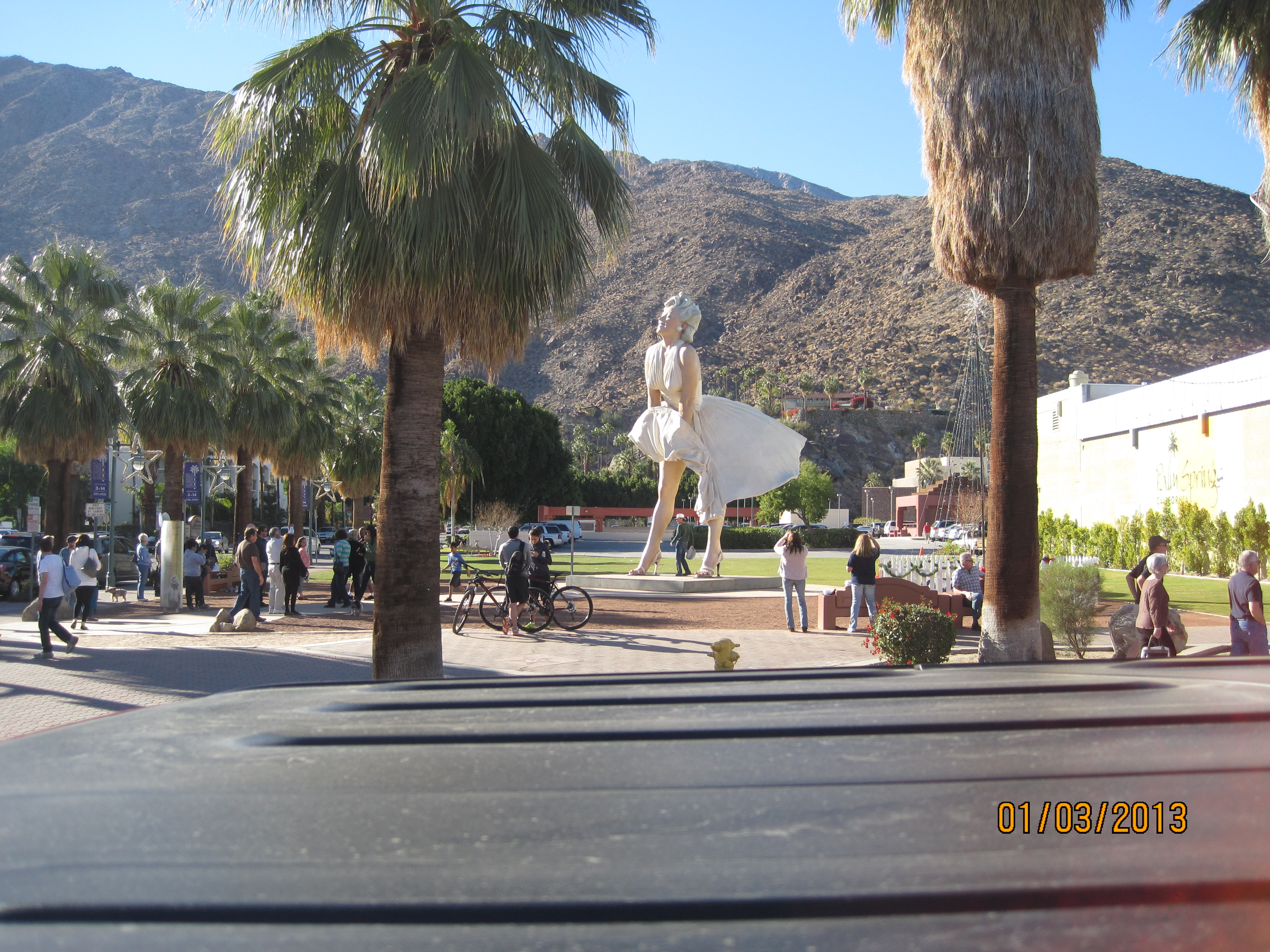 Indian waters in indio dave diane throwing caution to for Marilyn monroe palm springs home