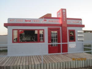 The Valentine Manufacturing Company in Wichita, Kansas built these Valentine Diners between1938 and 1974