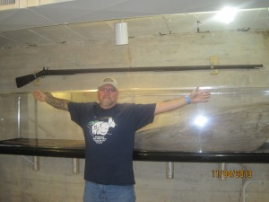Look how long that gun is!! My wing span is 6ft so it has to be over 8'