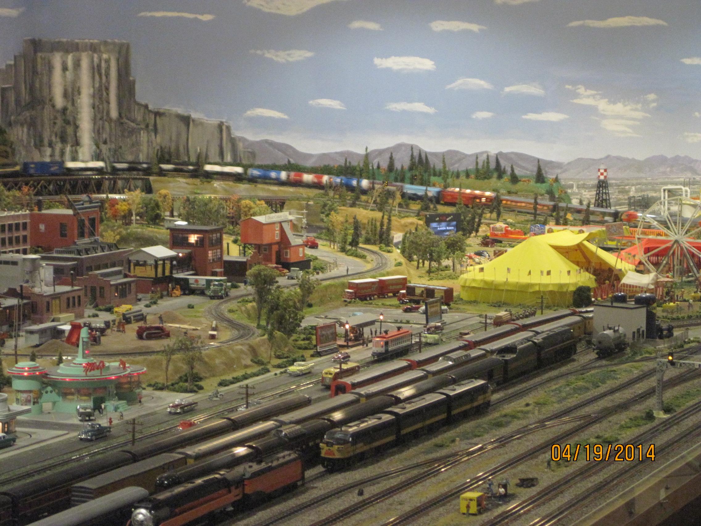 Model Train Supplies : Model railroad dcc power supply