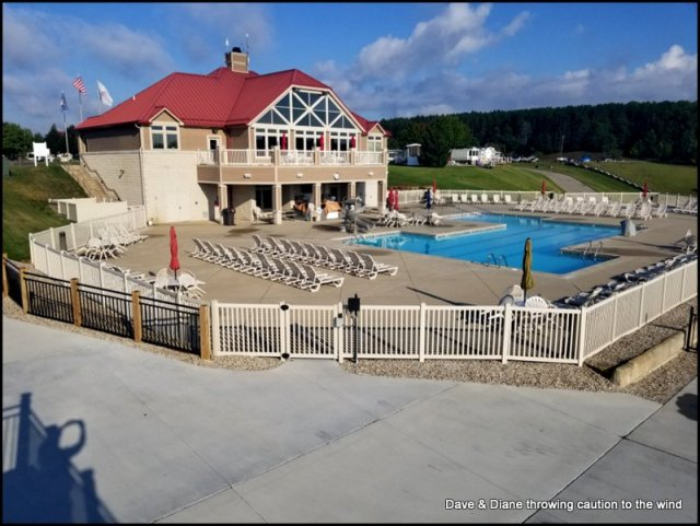 Clubhouse and pool at Rivers Edge Rv Park