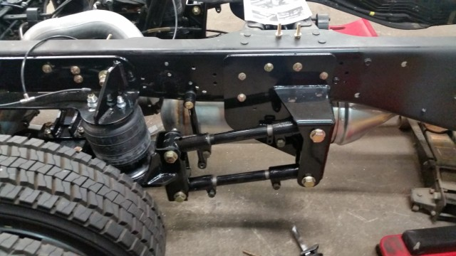 You can see that the leaf springs have been removed and replaced by the Kelderman system.